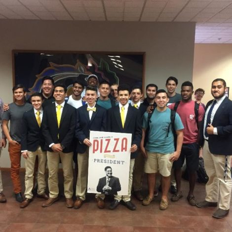 Texas- Kappa Alpha Chapter participates in Pizza with the President (Texas Arlington 20160921)